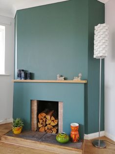 Feature fireplace wall painted in With pots and lamp Little Greene Farbe, Little Greene Paint, Fireplace Wall, Mid Century Decor, Playroom, New Homes, Lounge, Pottery, Bedroom
