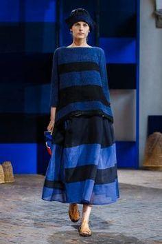 Daniela Gregis Ready To Wear Spring Summer 2018 Milan - NOWFASHION Knit Fashion, Live Fashion, Runway Fashion, Fashion News, Fashion Show, Womens Fashion, Easy Knitting, Spring Summer 2018, Donna Karan