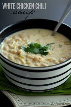 Delicious White Chicken Chili Recipe on { lilluna.com } #chili #soup @Stephanie Luna
