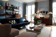 O mix de tons de azul com estampas clássicas é elegante e nunca sai de moda