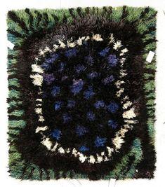 Re Rag Rug: Från sängen till golvet Rya Rug, Wool Rug, Textiles, Fabulous Fabrics, Rug Hooking, Floor Rugs, Fabric Art, Textile Art, Rugs On Carpet