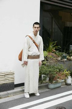 Brace yourselves—and your pockets, maybe—as the kimono gets the modern treatment while keeping its roots in a new product line. The T-Kimono, created by Norway's T-Michael and Japan's Y. & Sons, blends the robe's traditional Japanese silhouette with minimalist Scandinavian styles. The result: a stylish garment clad in muted shades like those of blue and …