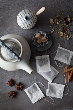 Hora do chá. Tea time.