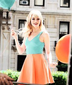 Emma Stone summer look. So pretty!