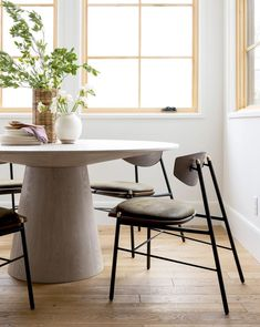 Get inspired by Industrial Office Design photo by Room Ideas. AllModern lets you find the designer products in the photo and get ideas from thousands of other Industrial Office Design photos. Industrial Office Design, Modern Office Design, Industrial Dining, Ottawa, Boconcept, Dining Room Table, Dining Chairs, Room Chairs, Dining Nook