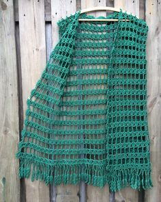 Beach outlet - Her Crochet Crochet Cardigan Pattern, Crochet Jacket, Crochet Shawl, Crochet Top, Crochet Patterns, Diy Crafts Crochet, Crochet Fringe, Crochet Clothes, Instagram