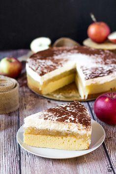 Apple Cream Cheese Cake Vanilla sponge cake, apple filling with vanilla custard and cream cheese whipped cream icing Apple Desserts, Apple Recipes, Fun Desserts, Best Dessert Recipes, Cheesecake Recipes, Holiday Recipes, Pastry Recipes, Baking Recipes, Bakers Gonna Bake