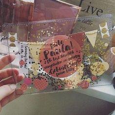 Jetzt sind sie fertig – die Konfetti-Schüttel-Einladungen (okeeee, hier eine mi Now they're done the confetti shake invitations (okeeee here one mi Now they are ready the confetti shake invitation Fairy Mermaid, Birthday Bash, Birthday Cards, Balloon Birthday, Birthday Ideas, Diy For Kids, Gifts For Kids, Party Invitations Kids, Invitation Birthday