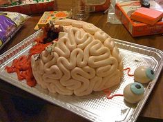I love this.  Hahaha.  Brain Cake.  This site is soooooo sciency!  It's perfect.