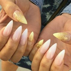 ♥ Babyboomer with gold stiletto nails