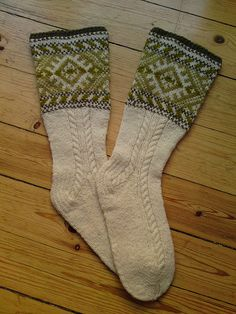 more Estonian socks with the cables