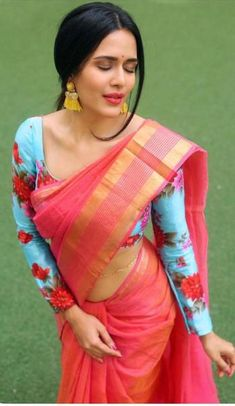 saree world - Latest Elegant Indian Red Wedding Sari - - - Churidar, Salwar Kameez, Sari Design, Trendy Sarees, Fancy Sarees, Silk Sarees, Indian Sarees, Indian Gowns, Sari Bluse