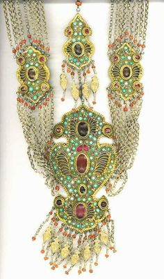 """Another striking, and early, Uzbeki necklace posted by Linda Pastorino on """"ethnic jewels""""."""
