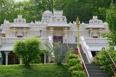 Welcome to Nashville Temple... tour a Hindu church and learn a little about the religion/culture