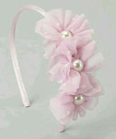 corona diseos Another great find on Light Pink Pearl Flower Cluster Headband Diy Ribbon, Ribbon Crafts, Ribbon Bows, Ribbon Flower, Diy Crafts, Tulle Headband, Baby Headbands, Hair Ribbons, Diy Hair Bows