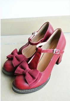 Sweet Bow Chunky Heel Pump/Shoes