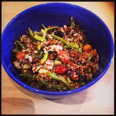 """Salade estivale """"fourre-tout"""" de quinoa rouge"""
