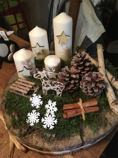 35 neue kollektion von easy christmas decorations neueste modetrends fur frauen sumcoco com - The world's most private search engine Christmas Advent Wreath, Christmas Candle Decorations, Christmas Candles, Rustic Christmas, Simple Christmas, Christmas Time, Merry Christmas, Christmas Crafts, Xmas