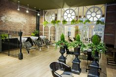 Earth-friendly shouldn't mean results-unfriendly. These eco-minded hair salons, spas, and nail boutiques in New York City deliver quality with a conscience.