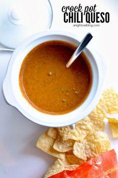 Crock Pot Chili Queso Dip | #crockpotrecipes #appetizers | anightowlblog.com