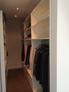 Open kleding kast