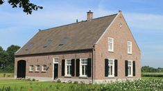 Wonen in een Boerderij|Projecten Style At Home, Modern Buildings, Decoration, Shed, Outdoor Structures, Cabin, Mansions, Nice, House Styles