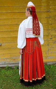 Pühalepa, island Hiiumaa, West Estonia  Eesti Rahvarõivad > Pühalepa naine