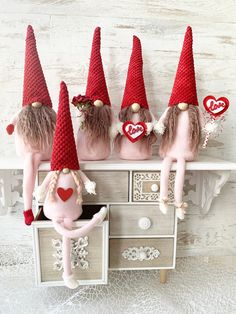 Valentine Gnomes in Pink and Red, Valentine's day gift, Gnome Couple by DreamCraftbyLucy on Etsy Handmade Christmas Decorations, Christmas Ornaments, Holiday Decor, Scandinavian Gnomes, Wooden Beads, Valentine Day Gifts, Fall Decor, Presents, Colours