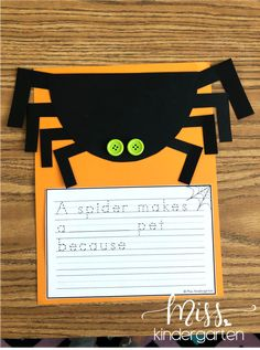 These spider activities are a fun way to incorporate math, science, and writing . Miss Kindergarten, Kindergarten Writing, Classroom Crafts, Kindergarten Activities, Writing Activities, Classroom Setup, Writing Ideas, Classroom Activities, Preschool Ideas