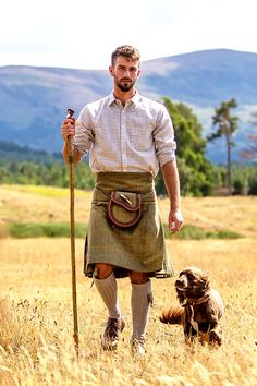 Men in kilts Celtic Clothing, Scottish Clothing, Scottish Fashion, Scottish Outfit, Scotish Men, Kilt Wedding, Utility Kilt, Man Skirt, Men In Kilts