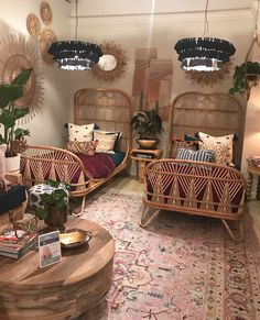 This particular boho girls room is unquestionably an extraordinary style principle. Deco Boheme, My New Room, Home Decor Bedroom, Girl Room, Decoration, Room Inspiration, Home Furnishings, Twin Beds, Interior Design