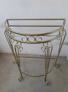 Metal End Tables, Iron Furniture, Interior Design Living Room, Wrought Iron, Entryway Tables, Rustic, Antiques, Ronaldo, Credenza
