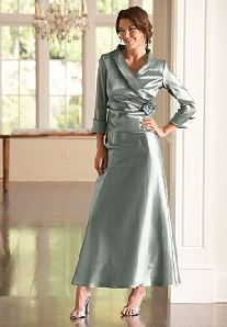 modest dresses bridesmaids (maybe in a different color)