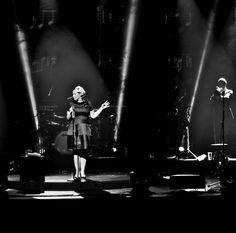 Caro Emerald Live during her UK Fall Tour 2013. (Photo: Anoek van Nunen)