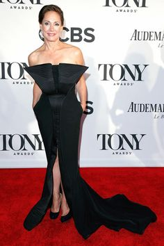 Laurie Metcalf  wears a Black Tuxedo Gown designed  by Lloyd Klein to the Tony Awards.