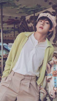 Taehyung Selca, Bts Bangtan Boy, Bts Jimin, Bts Lockscreen, Foto Bts, V Bts Cute, V Bts Wallpaper, Bts Maknae Line, Bts Aesthetic Pictures