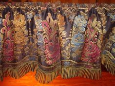 ANTIQUE-FRENCH-VICTORIAN-SILK-DAMASK-FLORAL-WINDOW-VALANCE-MINT-amp-GORGEOUS-77-034