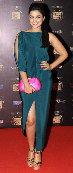 Fashion Central India - Indian Fashion, Bollywood and Entertainment Portal Prettiest Actresses, Hot Actresses, Indian Actresses, Bollywood Celebrities, Bollywood Actress, Parneeti Chopra, Celebrity Look, Beautiful Indian Actress, Priyanka Chopra