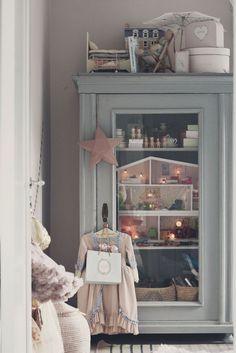 Home Decoration With Lights Code: 3032882659 Baby Bedroom, Girls Bedroom, Creative Kids Rooms, Deco Kids, Interior Rugs, Color Interior, Kids Corner, Little Girl Rooms, Kid Spaces