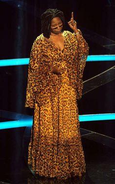 I love Whoopi Goldberg... Amei o vestido! mtooo felino selvagem !!