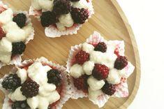 Pişmeyen Nefis Lezzet: Raw Vegan Cupcake Tarifi Vegan Cupcake Recipes, Vegan Cupcakes, Vegan Desserts, Raw Food Recipes, Easy Desserts, Small Cupcakes, Cupcake Mold