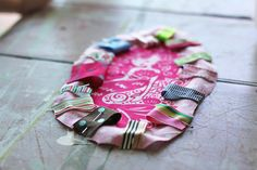 CUTE tutorial for baby taggie toys...even shows you how to make them crinkly!