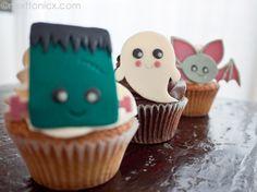 Kawaii Halloween Modelling chocolate cupcake toppers