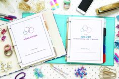 Get organized, stay focused, and accomplish your goals with the ultimate planner and home binder! Organized Mom, Getting Organized, Organized Planner, Life Planner, Happy Planner, Planner Ideas, Household Notebook, Home Binder, Making Life Easier