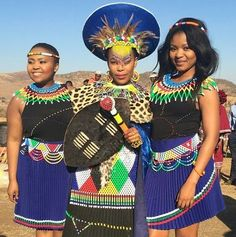 In Zulu culture, women also wear different clothes at different stages of their lives. Only one youn Zulu Traditional Attire, Zulu Traditional Wedding, African Traditional Wedding, African Traditional Dresses, Traditional Outfits, African Attire, African Wear, African Women, African Dress