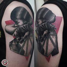 Łukasz sokołowski , Rock n Ink Tattoo & Piercing - tatuaż autorski na ramieniu #tattoo #armtattoo #blackredtattoo