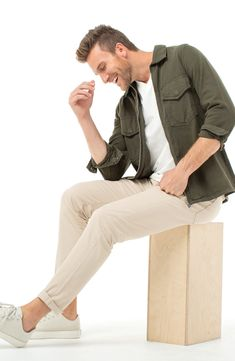 This pant is timeless and transitional. You can wear them season to season and stay in style. Available in essential colors for the everyday man. Fall Fashion Outfits, Casual Fall Outfits, Mens Fashion, Mens Fall Outfits, Men's Outfits, Muslim Fashion, Girl Fashion, Green Pants Outfit, Khaki Pants Outfit