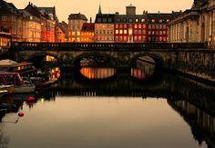 Kopenhagen - canal by ruddrudd, via Flickr