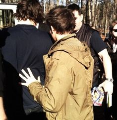 Louis being protective. MARRY ME. <3