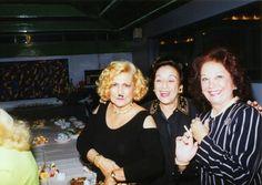 O trio formado por Hebe Camargo -- com bigodinho --, Nair Bello e Lolita Rodrigues